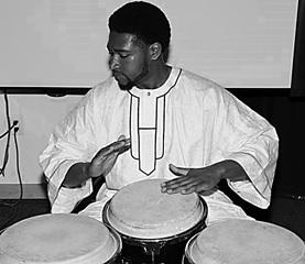 javoen_awodi-drumming_bw